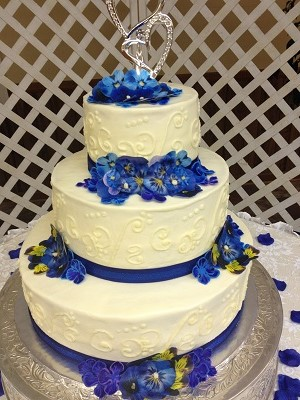 Butter Cream Wedding w/ Cobalt Blue